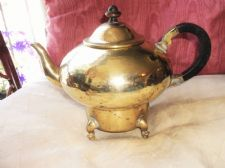 RARE OLD HAMMERED BRASS TEAPOT BRASS WOOD HANDLE KNOB WESAM 123 ELECTRIC 4 FEET